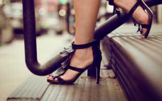 Женские босоножки. Босоножки на каблуке Изящные босоножки